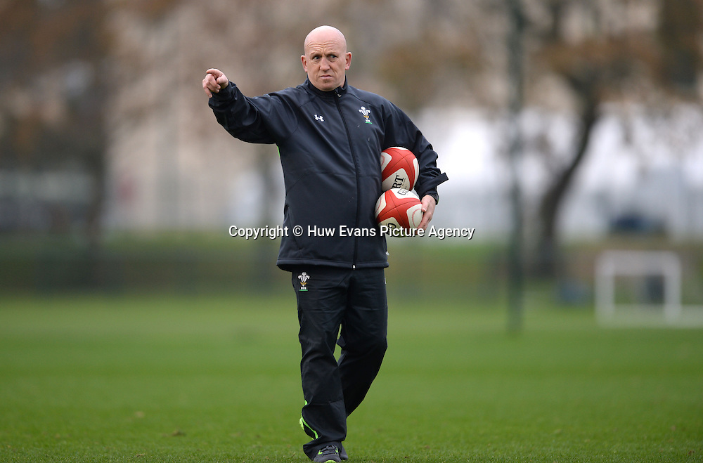 20.11.14 - Wales Rugby Training -<br /> Shaun Edwards during training.<br /> &copy; Huw Evans Picture Agency