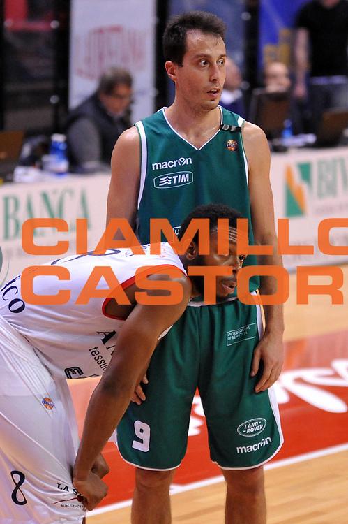 DESCRIZIONE : Biella Lega A 2011-12 Angelico Biella Benetton Treviso<br /> GIOCATORE : Jacob Pullen Massimo Bulleri<br /> CATEGORIA : <br /> SQUADRA : Angelico Biella Benetton Treviso<br /> EVENTO : Campionato Lega A 2011-2012<br /> GARA : Angelico Biella Benetton Treviso<br /> DATA : 18/03/2012<br /> SPORT : Pallacanestro<br /> AUTORE : Agenzia Ciamillo-Castoria/S.Ceretti<br /> Galleria : Lega Basket A 2011-2012<br /> Fotonotizia : Biella Lega A 2011-12 Angelico Biella Benetton Treviso<br /> Predefinita :