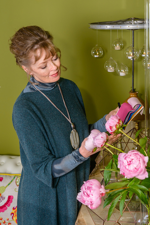 Editorial story 'Meet the Maker' for Tie the Knot magazine, featuring  wedding stylist  Lindsey Hunter of 'Get Knotted'.<br />
