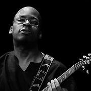 Lionel Loueke, Guitar