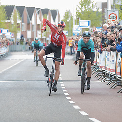 04-05-2019: Wielrennen: Ronde van Overijssel: Rijssen<br />Niels Eekhof (Sunweb) wint de 67e ronde van Overijssel voor Martijn Budding en Piotr Havik (beiden Beat)