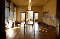 """15 JAN 2002, BERLIN/GERMANY:<br /> Konferenzraum der Wannsee-Konferenz, mit Schautafeln der Teilnehmer der Konferenz zur sog. """"Endloesung der Judenfrage"""", Gedenk- und Bildungsstaette Haus der Wannsee-Konferenz, Am Grossen Wannsee 56-58, 14109 Berlin<br /> IMAGE: 20020115-01-022<br /> KEYWORDS: Konferenzsaal, Saal"""