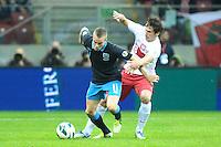 WARSZAWA 17.10.2012 WARSAW STADION NARODOWY PILKA NOZNA REPREZENTACJA KADRA MECZ ELIMINACYJNY DO MISTRZOSTW SWIATA 2014 POLSKA - ANGLIA FOOTBALL INTERNATIONAL GAME POLAND - ENGLAND N/Z TOM CLEVERLEY GRZEGORZ KRYCHOWIAK .FOT PIOTR MATUSEWICZ / PRESSFOCUS