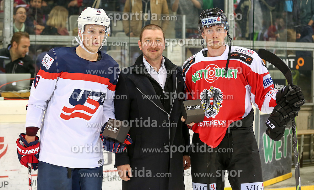 28.04.2015, Albert Schultz Eishalle, Wien, AUT, IIHF, Testspiel, Österreich vs USA, im Bild Mike Reilly (USA) , Herberth Windholz (Opel Eisner) und Michael Raffl (Oesterreich) // during the a International Icehockey Freindly match between Austria and the United States at the Albert Schultz Ice Arena in Vienna, Austria on 2015/04/28. EXPA Pictures © 2015, PhotoCredit: EXPA/ Alexander Forst