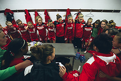 Bristol City Women prepare in the changing room - Rogan Thomson/JMP - 06/11/2016 - FOOTBALL - The Northcourt Stadium - Abingdon-on-Thames, England - Oxford United Women v Bristol City Women - FA Women's Super League 2.