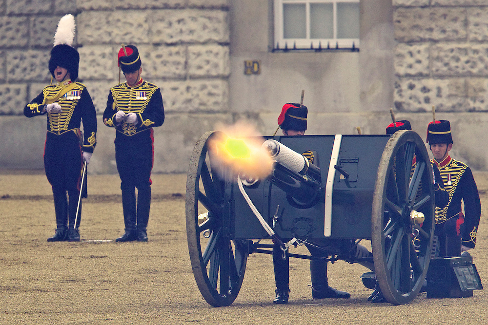 The King's Troop Royal Horse Artillery fire a gun salute to mark Coronation Day, celebrating Queen Elizabeth II's coronation, Horse Guards Parade, London, England, Sunday, June 03, 2012.  Credit:SNPA / David Rowland