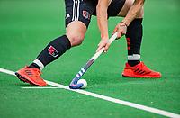 BLOEMENDAAL -  adidas , aangeven strafcorner,    , Hoofdklasse hockey Bloemendaal-Amsterdam (4-2) . COPYRIGHT  KOEN SUYK
