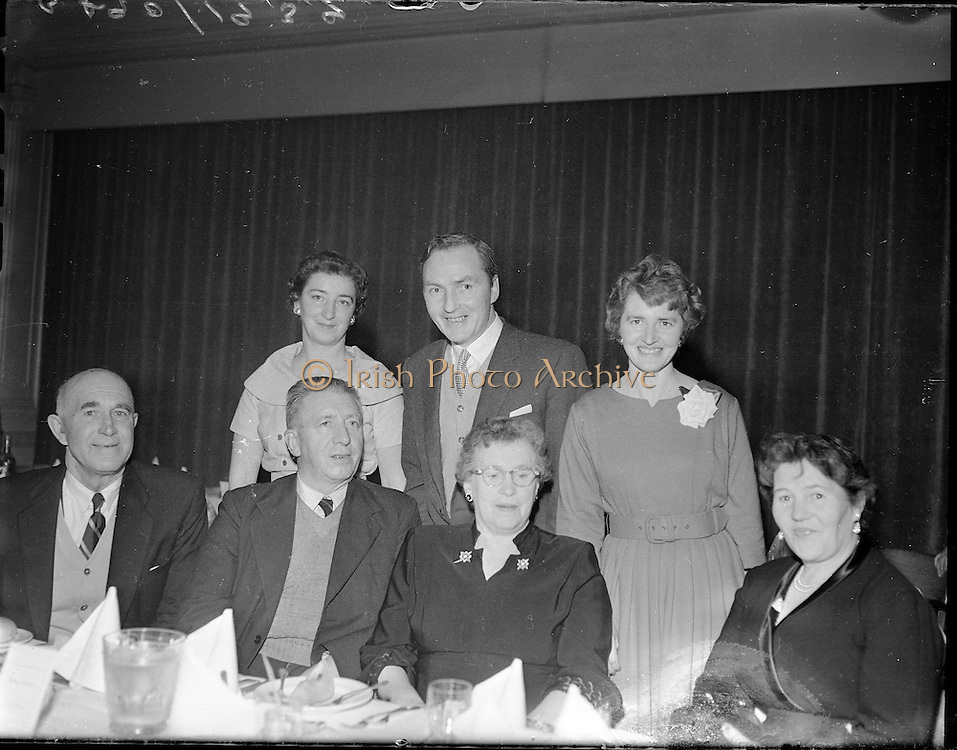 Kerryman's Association Annual Dinner..1960..30.01.1960..01.30.1960..30th January 1960..The annual dinner of the Kerryman's Association held its annual dinner in the Dolphin Hotel, Dublin...Pictured at the dinner were, front row, Mr P O'Sullivan, Killarney, Mr Cornelius Daly, Baraduff, Mrs C Daly, Headford, Mrs I O'Sullivan, Killarney. Back row, Mrs Kathleen O'Brien, Glenfisk, Mr Tony O'Sullivan, Killarney and Mrs Maura O'Donnell,Inch.