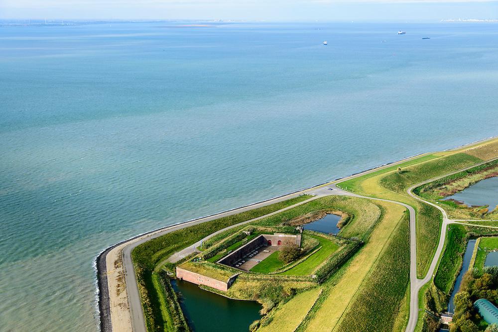 Nederland, Zeeland, Zuid-Beveland, 19-10-2014; Fort Ellewoutsdijk, gelegen aan de Westerschelde. Zak van Zuid-Beveland.<br /> Fortress situated on the Westerschelde (Western Scheldt), Southwest Holland.<br /> luchtfoto (toeslag op standard tarieven);<br /> aerial photo (additional fee required);<br /> copyright foto/photo Siebe Swart