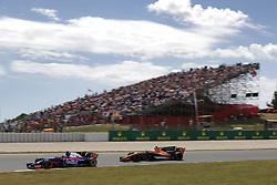 May 14, 2017 - Barcelona, Spain - Motorsports: FIA Formula One World Championship 2017, Grand Prix of Spain, .#26 Daniil Kvyat (RUS, Scuderia Toro Rosso), #14 Fernando Alonso (ESP, McLaren Honda) (Credit Image: © Hoch Zwei via ZUMA Wire)