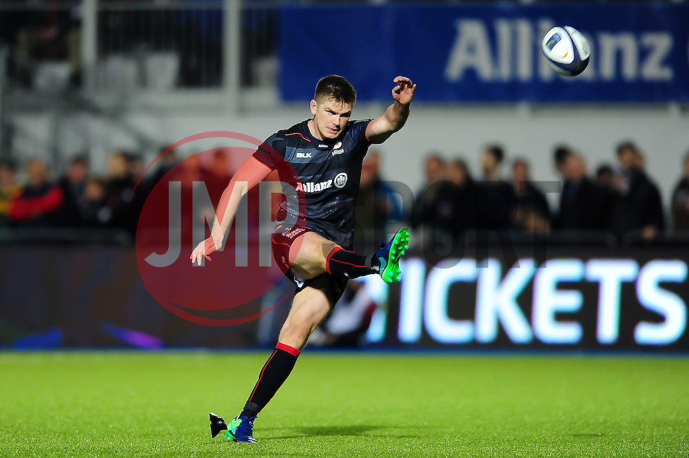 Owen Farrell of Saracens kicks for the posts - Mandatory byline: Patrick Khachfe/JMP - 07966 386802 - 22/10/2016 - RUGBY UNION - Allianz Park - London, England - Saracens v Scarlets - European Rugby Champions Cup.