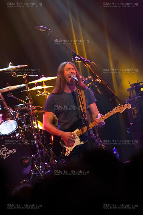 The Wall -  tribute to Pink Floyd, p&aring; Byscenen i Trondheim 29. mars 2012..Bandet fremf&oslash;rer sanger av Pink Floyd.<br /> Bandet best&aring;r av:<br /> Lead vocal/Guitar: Petter Selliseth<br /> Lead guitar: Bj&oslash;rn Asb&oslash;ll<br /> Keyboards/Vocal: Per Kristian Johansen<br /> Drums/perc : Ketil Uthaug<br /> Bass: Erik Svendsgaard<br /> Sax.: Vegard Hasfjord<br /> Backing vocals: <br /> Trude Bekkavik<br /> Ann-Lill Grendahl Elshaug<br /> Silje Leirvik