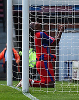 Photo: Olly Greenwood.<br />Crystal Palace v Coventry City. Coca Cola Championship. 23/09/2006. Palace's Clinton Morrison rues a missed chance.