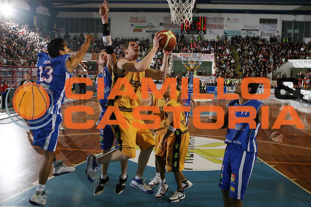 DESCRIZIONE : Porto San Giorgio Lega A1 2007-08 Premiata Montegranaro Pierrel Capo Orlando <br /> GIOCATORE : Valerio Amoroso <br /> SQUADRA : Premiata Montegranaro <br /> EVENTO : Campionato Lega A1 2007-2008 <br /> GARA : Premiata Montegranaro Pierrel Capo Orlando <br /> DATA : 29/03/2008 <br /> CATEGORIA : Tiro <br /> SPORT : Pallacanestro <br /> AUTORE : Agenzia Ciamillo-Castoria/G.Ciamillo