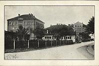 Carinska i javna skladišta d.d. Zagreb.  <br /> <br /> ImpresumS. l. : S. n., [1935].<br /> Materijalni opis1 razglednica : tisak ; 9 x 14,2 cm.<br /> Vrstavizualna građa • razglednice<br /> ZbirkaGrafička zbirka NSK • Zbirka razglednica<br /> Formatimage/jpeg<br /> PredmetZagreb –– Vodovodna<br /> SignaturaRZG-VOD-1<br /> Obuhvat(vremenski)20. stoljeće<br /> NapomenaRazglednica je putovala 1935. godine.<br /> PravaJavno dobro<br /> Identifikatori000954043<br /> NBN.HRNBN: urn:nbn:hr:238:255264 <br /> <br /> Izvor: Digitalne zbirke Nacionalne i sveučilišne knjižnice u Zagrebu