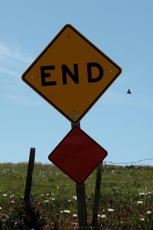 End sign, Cambria
