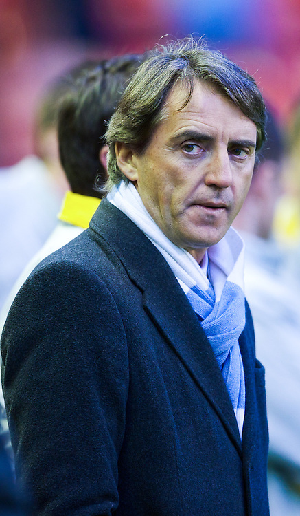 11.04.2011, Anfield Road, Liverpool, ENG, PL, Liverpool FC vs Manchester City, im Bild Manchester City's manager Roberto Mancini before the Premiership match against Liverpool at Anfield, EXPA Pictures © 2011, PhotoCredit: EXPA/ Propaganda/ D. Rawcliffe *** ATTENTION *** UK OUT!