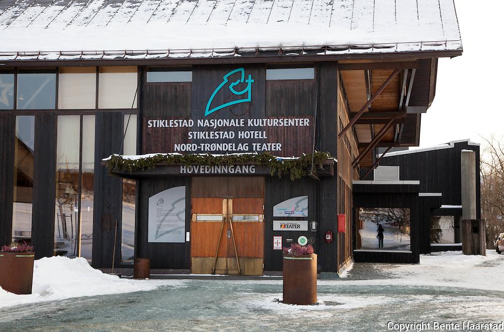 Stiklestad Nasjonale kultursenter, Verdal. Prøvene for forestillingen om Elsa Laula foregikk ved Nord-Trøndelag Teater på Stiklestad i Verdal.