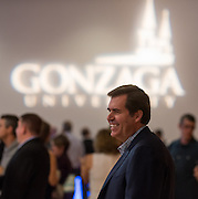 President Thayne McCulloh joins Gonzaga alumni during reunion. (Photo by Edward Bell)
