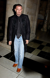 Fashion designer ALEXANDER MCQUEEN at the 2004 British Fashion Awards held at Thhe V&A museum, London on 2nd November 2004.<br />