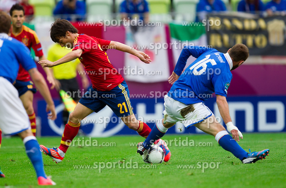 David Silva of Spain vs Daniele De Rossi of Italy during the UEFA EURO 2012 group C match between Spain and Italy at The Arena Gdansk on June 10, 2012 in Gdansk, Poland.  (Photo by Vid Ponikvar / Sportida.com)