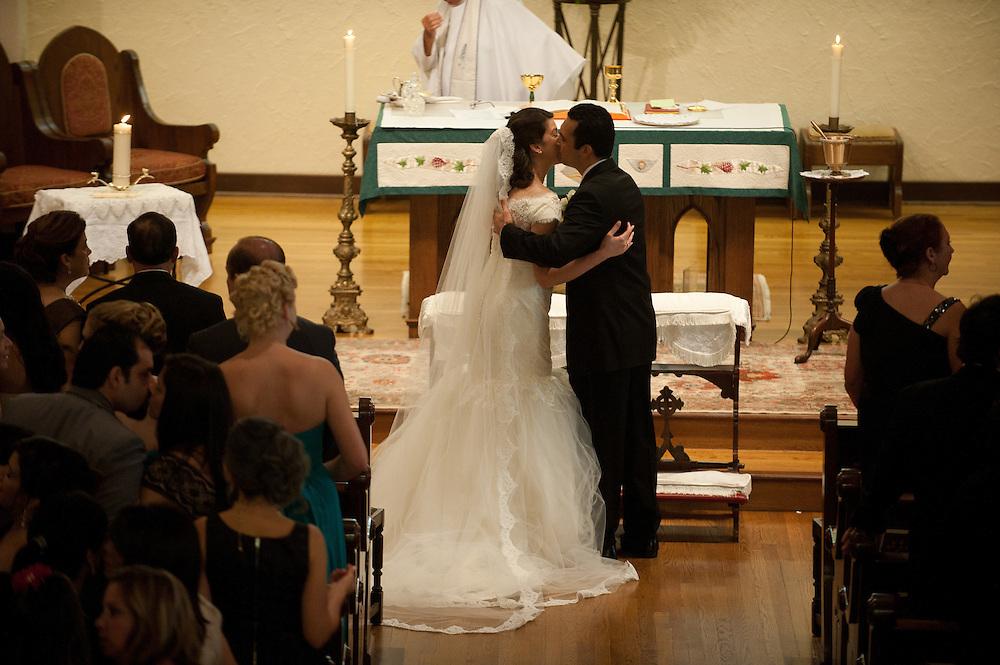 10/9/11 5:31:13 PM -- Zarines Negron and Abelardo Mendez III wedding Sunday, October 9, 2011. Photo©Mark Sobhani Photography