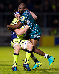 Ben Curry of Sale Sharks is tackled by Topsy Ojo of London Irish - Mandatory by-line: Matt McNulty/JMP - 15/09/2017 - RUGBY - AJ Bell Stadium - Sale, England - Sale Sharks v London Irish - Aviva Premiership