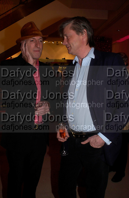 Richard Strange and the Marquis of Worcester. Selfridges Las Vegas dinner hosted by  hon Galen , Hillary Weston and Allanah Weston. Selfridges Oxford St. 20 April 2005. ONE TIME USE ONLY - DO NOT ARCHIVE  © Copyright Photograph by Dafydd Jones 66 Stockwell Park Rd. London SW9 0DA Tel 020 7733 0108 www.dafjones.com