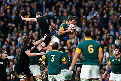 South Africa Lock Eben Etzebeth wins a lineout - Mandatory byline: Rogan Thomson/JMP - 07966 386802 - 24/10/2015 - RUGBY UNION - Twickenham Stadium - London, England - South Africa v Wales - Rugby World Cup 2015 Semi Finals.