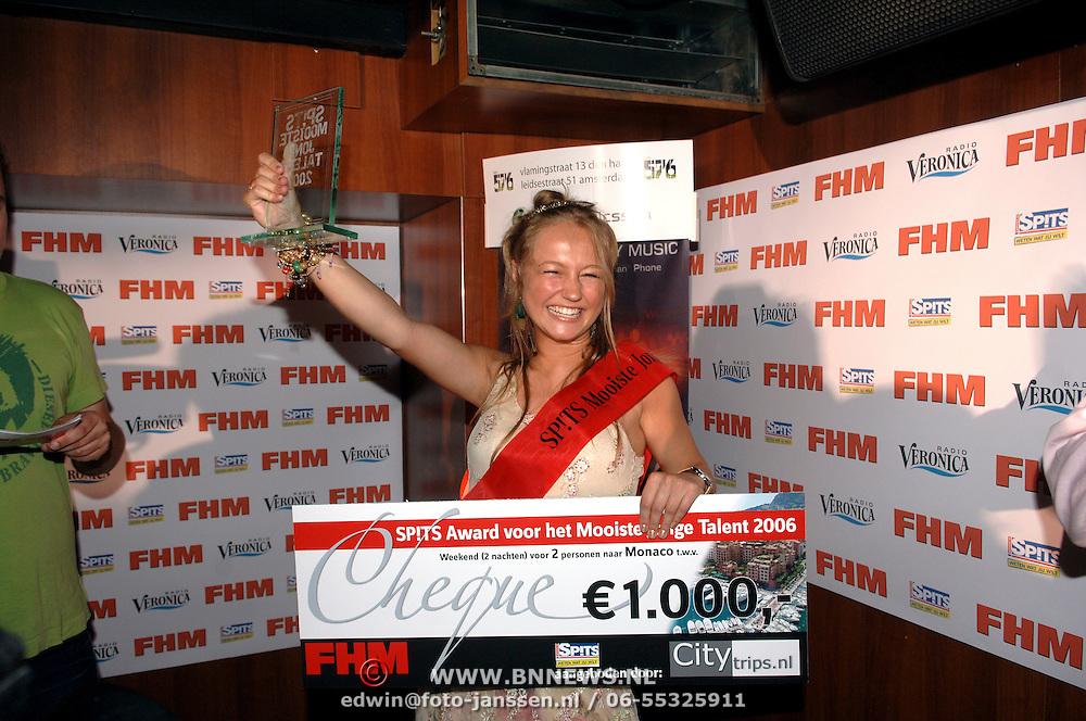 NLD/Amsterdam/20060613 - Uitreiking FHM 100 sexiest vrouwen 2006, winnares Mooiste Jong Talent 2006, Caroline Spoor