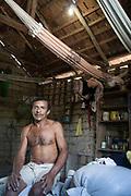 Tucurui_PA, 21 de Maio de 2006. <br /> <br /> Luz para todos<br /> <br /> Documentacao do projeto Luz Para Todos, do Governo Federal, no interior do estado do Para entre as cidade de Tucurui e Breu Branco.<br /> <br /> Foto: MARCUS DESIMONI / NITRO