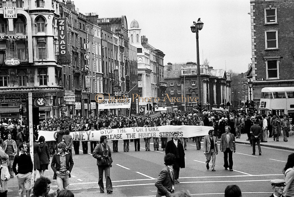 A section of the crowd who marched to the GPO, Dublin in support of the Portlaoise Hunger Strikers.<br />