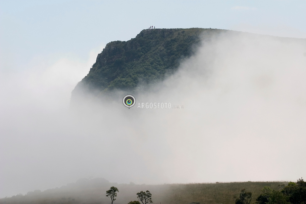 Cambara do Sul, RS, Brasil. 29/12/20.Montanha ao redor do Canion da Fortaleza, Parque Nacional Aparados da Serra. A neblina toma conta do canion./ Mountain around Fortaleza Canyon, National Park of Aparados da Serra. Fog in the canyon..Foto Marcos Issa/Argosfoto