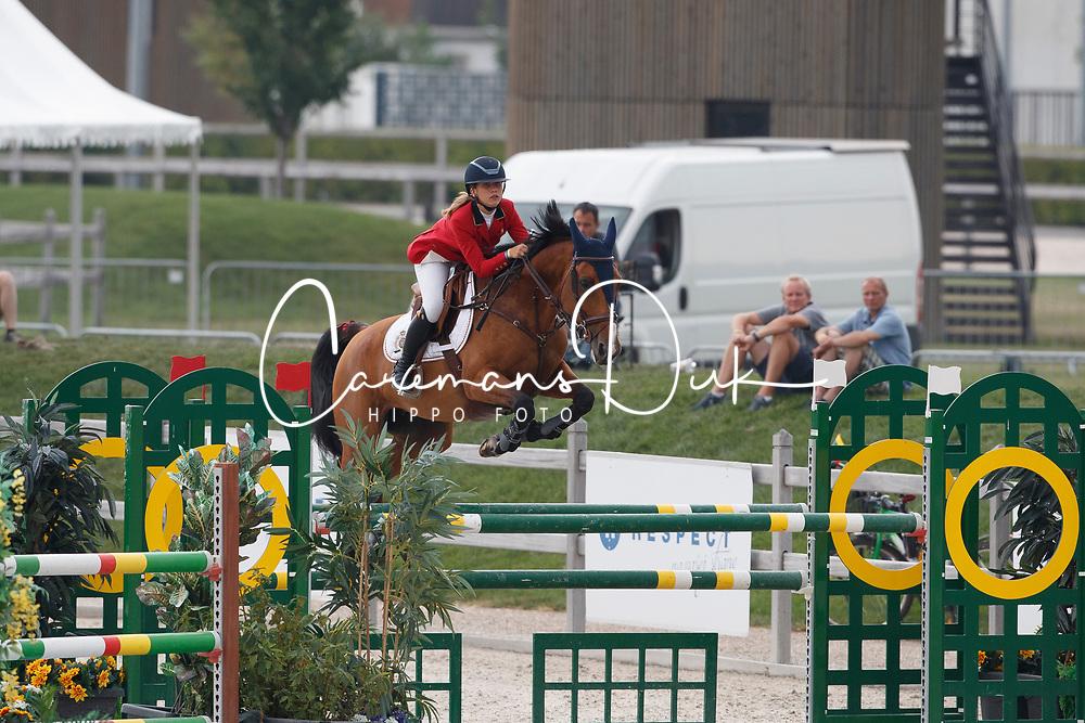 De Hornois Caro-Belle, BEL, Idyllis L<br /> Children European Championships Jumping <br /> Samorin 2017&copy; Hippo Foto - Dirk Caremans<br /> 10/08/2017