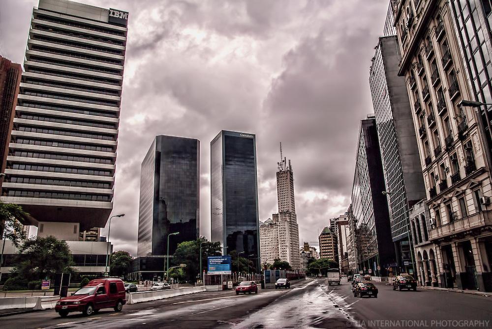 Avenida Leandro Alem, El Centro