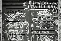Berlin februar 2012.<br /> En nedtagget inngangsd&oslash;r i Berlin.<br /> Foto: Svein Ove Ekornesv&aring;g