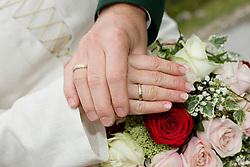 04.09.2010, Tauplitz, AUT, Feature, im Bild Ehepaar bei einer Hochzeit in Tracht, EXPA Pictures © 2012, PhotoCredit: EXPA/ Erwin Scheriau