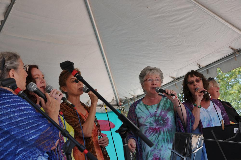 Mzekala concert at 2011 Tucson Folk Festival. Event photography by Martha Retallick.