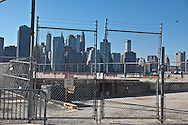 New York.  lower Manhattan cityscape  and the east river view from Brooklyn bridge park pier 4. New York - United states   / parc de Brooklyn bridge pier 4  - Etats-unis