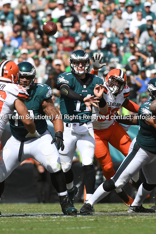September 11, 2016: Philadelphia Eagles Quarterback Carson Wentz (11) [21352] during a National  Football League game between the Cleveland Browns and the Philadelphia Eagles at Lincoln Financial Field in Philadelphia, PA. (Photo by Andy Lewis/Icon Sportswire)