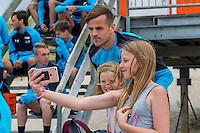 BERGEN AAN ZEE - 25-07-2016, strandtraining AZ, AZ speler Mats Seuntjens