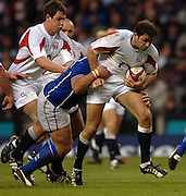 2005 Rugby, Investec Challenge, England vs Manu Samoa, Pat Sanderson attacking through the middle, in the second half as England go on to beat Samoa 40 to 3 points at the RFU Satdium, Twickenham, ENGLAND:     26.11.2005   © Peter Spurrier/Intersport Images - email images@intersport-images..