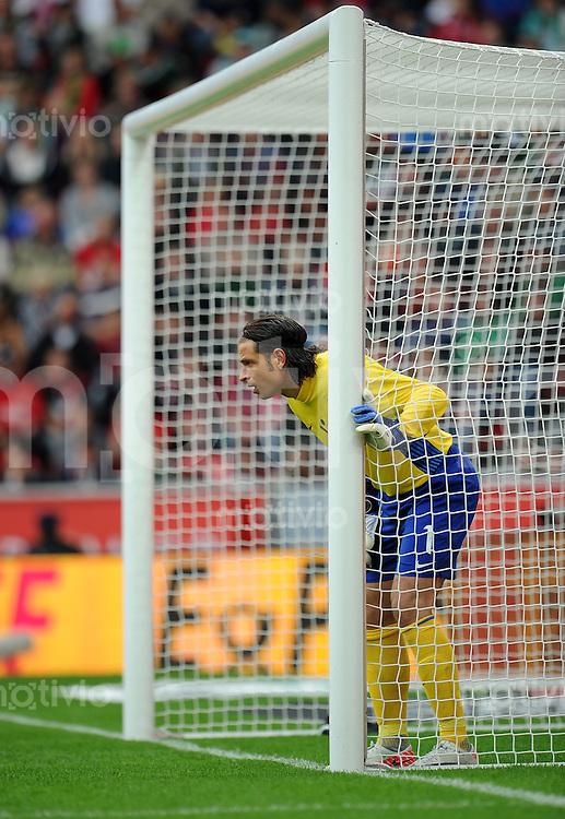 FUSSBALL   1. BUNDESLIGA   SAISON 2011/2012    2. SPIELTAG Bayer 04 Leverkusen - SV Werder Bremen              14.08.2011 Torwart Tim WIESE (SV Werder Bremen)