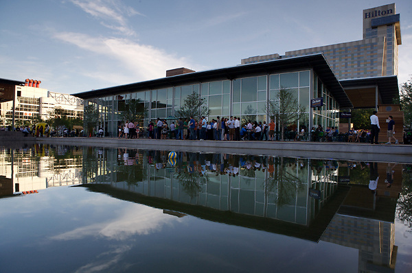 Stock photo of The Lakehouse cafe building reflected in the pond