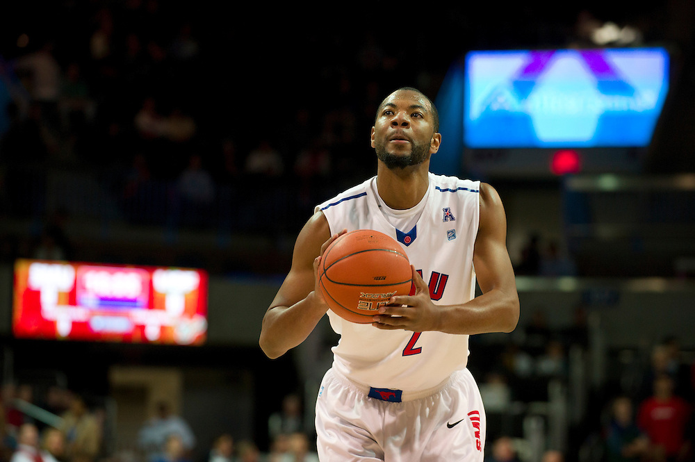 DALLAS, TX - JANUARY 15: Shawn Williams #2 of the SMU Mustangs shoots a free-throw against the South Florida Bulls on January 15, 2014 at Moody Coliseum in Dallas, Texas.  (Photo by Cooper Neill/Getty Images) *** Local Caption *** Shawn Williams