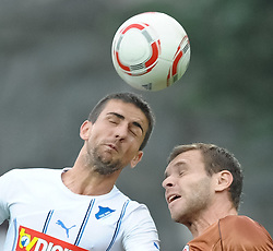 28.08.2010, Millerntor Stadion, Hamburg, GER, 1.FBL, FC St. Pauli vs 1899 Hoffenheim, im Bild Markus Thorandt (Pauli #16)  kaempft mit Vedad Ibisevic (Hoffenheim #19) um den Ball EXPA Pictures © 2010, PhotoCredit: EXPA/ nph/  Witke+++++ ATTENTION - OUT OF GER +++++