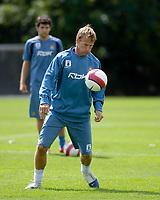 Photo: Daniel Hambury.<br /> West Ham United Media Day. 10/08/2006.<br /> Teddy Sheringham during training.