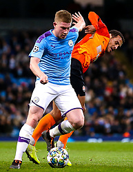 Kevin De Bruyne of Manchester City takes on Alan Patrick of Shakhtar Donetsk - Mandatory by-line: Robbie Stephenson/JMP - 26/11/2019 - FOOTBALL - Etihad Stadium - Manchester, England - Manchester City v Shakhtar Donetsk - UEFA Champions League Group Stage