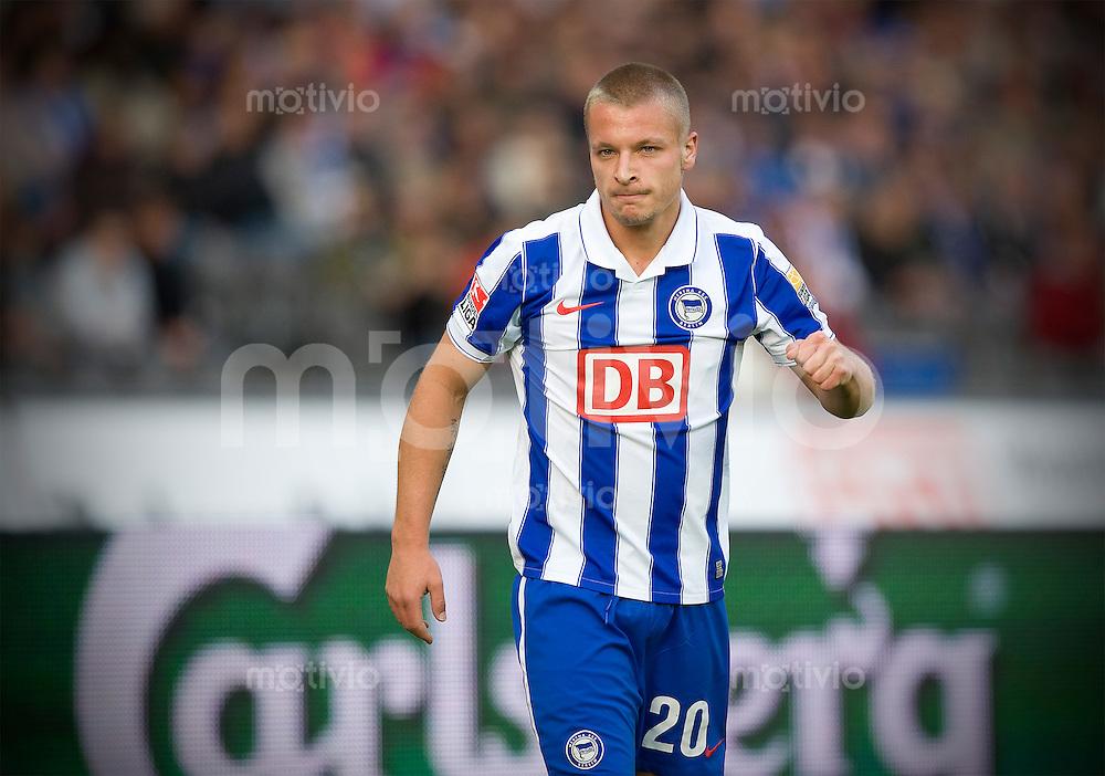 Fussball Bundesliga Saison 2009/2010 Hertha BSC Berlin - Hamburger SV Patrick EBERT (Hertha).