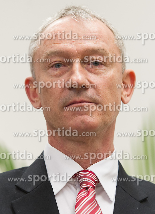 "06.02.2015, Parlamentsklub TS, Wien, AUT, Team Stronach, Pressekonferenz mit dem Thema: ""Neustart Team Stronach"". im Bild Vizeparteichef Team Stronach Wolfgang Auer // Vice-Leader of the parliamentary group Team Stronach Wolfgang Auer during press conference of Team Stronach at parliamentary club TS in Vienna, Austria on 2015/02/06. EXPA Pictures © 2015, PhotoCredit: EXPA/ Michael Gruber"